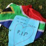 Hundreds gather outside Mandela's home