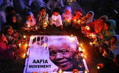 Mandela: world mourns with South Africa