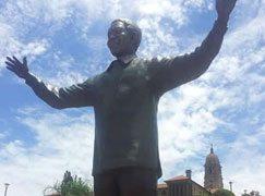 Mandela statue 'symbolises a united South Africa'