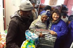 Mandela Day blankets for minister's 'favourite people'