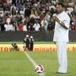 Soccer legends salute Mandela