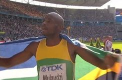 Double 800m gold for South Africa