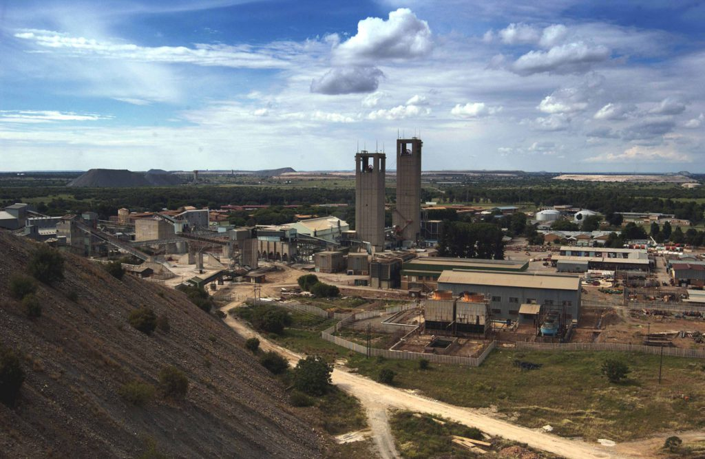 South Africa, Mining: Great Noligwa Gold Mine