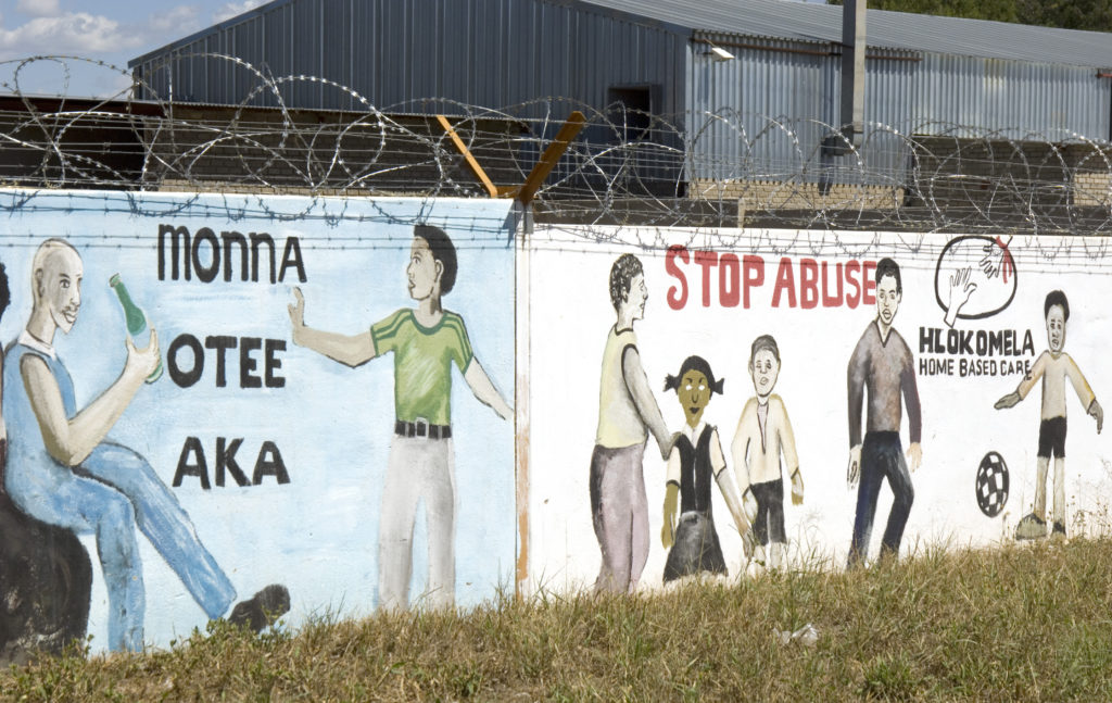 Hoedspruit, Limpopo province: Murals at the entrance to town