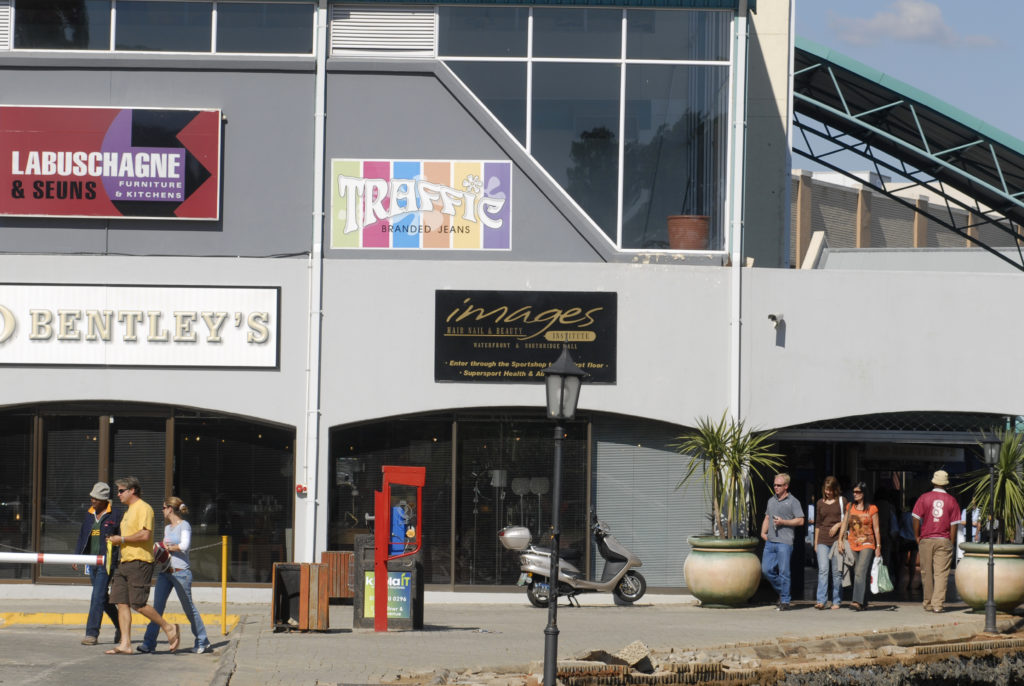 Lochlogan Shopping Centre and waterfront, Bloemfontein, Free State