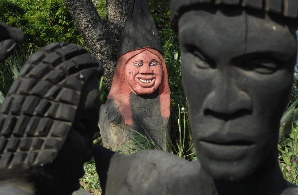 Central Drakensberg, KwaZulu-Natal: Sculpture at Thokozisa Information Centre