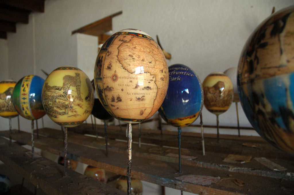 Oudtshoorn, Western Cape province: Decorated ostrich eggs