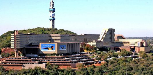 Brand South Africa delivers keynote address to South African marketing academics