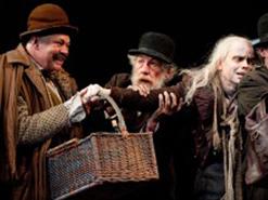 (L to r) Matthew Kelly (Pozzo), Sir Ian McKellen (Estragon), Brendan O'Hea (Lucky), and Roger Rees (Vladimir) in Waiting for Godot