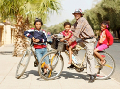 Johannes van Wyk and his children Chris, Danisha and Sarie not only cycle, but are also capable bicycle mechanics.