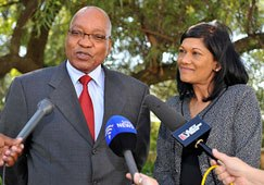 South African President Jacob Zuma and Brand South Africa chairperson Anitha Soni address the media following a meeting in Pretoria 24 May 2011. (Photo: GCIS)