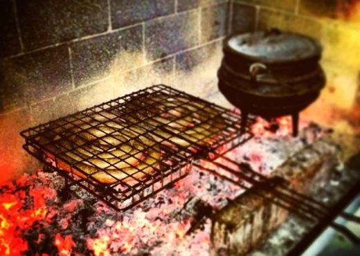 "Jan Braai's boerewors and curry potjie. Photo: <a href=""http://braai.com"" target=""_blank"">braai.com</a>"