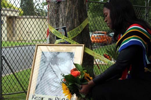 Mandela-mourner-1
