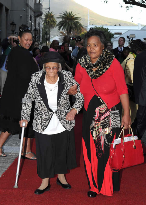 15-Hundred-years-old-Ouma-Anna-Beukes-from-the-Namastan-clan