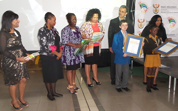 images/stories/april2015/national_spelling_bee_launch_4_article