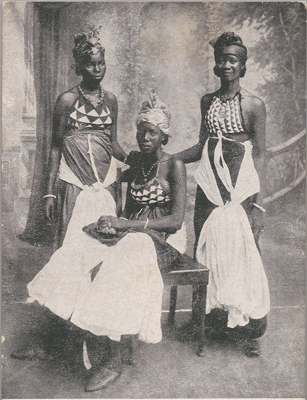 A-group-of-Bundoo-Girls-from-Sierra-Leone-1905-1925.-The-artist-is-unknown-but-possibly-Alphonso-Lisk-Carew